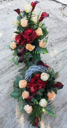 Fall Home Decor, Autumn Home, December 25, Funeral, Floral Arrangements, Diy And Crafts, Floral Wreath, Wreaths, Table Decorations