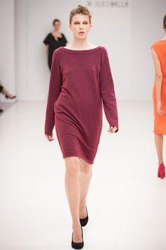 Je Suis Belle 2012 ősz/tél Minimalist Fashion, Women Wear, Sweaters, Collections, Dresses, Vestidos, Sweater, Dress, Gown