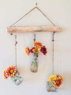 Hanging wall vase with 3 mini antique bottles on lilac branch-boho vase-wall vase -natural home decor-hygge-modern farmhouse Jarrón de pared …