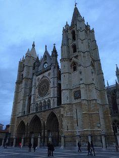 Catedral al atardecer de León