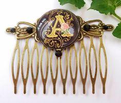 Monogram hair comb in black bronze will be worked by Schmucktruhe