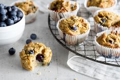 Muffins - alles zum Thema - Springlane - Wood Wordkings My Site Quiche, Pancake Muffins, Food Porn, Cuisines Design, Muesli, Macaron, Eat Breakfast, Cakes And More, Superfood