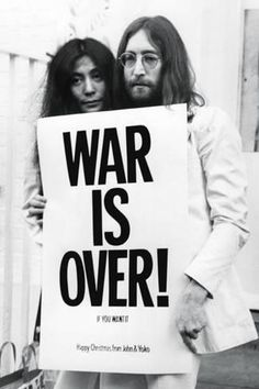 John Lennon - (War is Over) - Poster på AllPosters.se