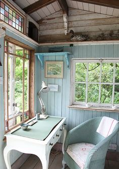 Perhaps not blue (for me) but really like e lightness of this workspace