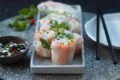 Chystáte večírek v asijském stylu? A nemusíte ani večírek. Já tyto závitky dělala na Boží hod jako předkrm manželovým rodičům a ani nepozna... Fresh Rolls, Tofu, Sushi, Favorite Recipes, Baking, Ethnic Recipes, Kitchen, City, Asia