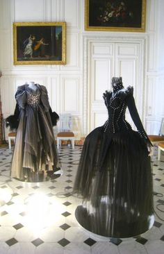 From left, Thierry Mugler 1997, Thierry Mugler Fall 1992 --  A Haute Couture Game at Versailles | French Seams