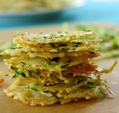 These Baked Parmesan Cheese Crisps are easy to make, go great on a salad or as a topping on your soup. You could also eat them as a healthier alternative to chips! Low Carb Recipes, Cooking Recipes, Healthy Recipes, Oats Recipes, Rice Recipes, Beef Recipes, Chicken Recipes, Parmesan Cheese Crisps, Zucchini Crisps