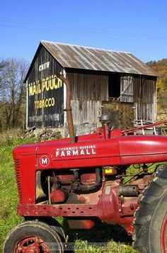 LOVE old barns! My Dad also had a Farmall M tractor! My brother and I raced it around the light post with a Farmall H. Country Barns, Old Barns, Country Life, Country Roads, Country Living, Country Charm, Antique Tractors, Vintage Tractors, Old Tractors