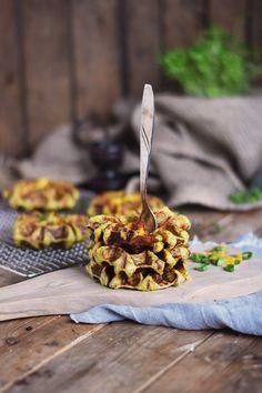 Flammkuchen Kartoffel Waffeln mit Käse Füllung _ Potato Waffles with Bacon Onions and Cheese (14)