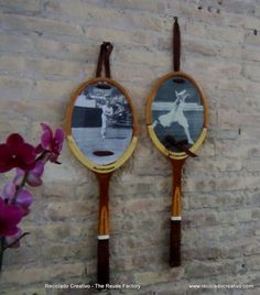 Upcycling Tennis Racquets into wall decoration Do-It-Yourself Ideas Recycled Sports Equipment Tennis Shop, Tennis Party, Tennis Clubs, Squash Club, Tennis Decorations, Tennis Crafts, Gifts Love, Badminton Racket, Vintage Tennis