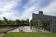 living at water's level  Villa Frenay / 70F architecture