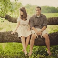 A timeless engagement session shot at Washington DC's National Arboretum by Petruzzo Photography