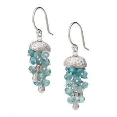 These jelly fish earrings would go great in my ever growing collection of beach jewelry
