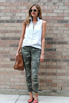A pair of Gap jeans as featured on the blog @Anna Totten Jane Wisniewski