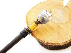 Long wooden japanese hair stick and maneki neko by CarnevalMefisto