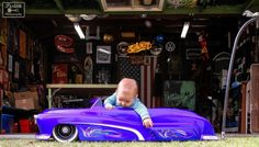 That's right...get 'em hooked on hot rods early! :3