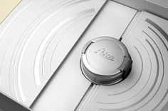 lovely-package-limited-edition-fedrigoni-leica-6