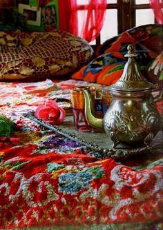 love the colours!! www.teapots4u.com   133 East Ohio Street Indy  317.687.8768  TeaPots n Treasures