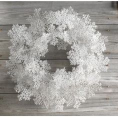 """Melrose 20"""" Winter Frost White Glittered Snowflake Artificial Christmas Wreath - Unlit Wreaths"""