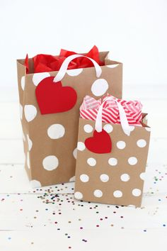 Need a gift bag in a pinch? Here's a great tutorial for making professional looking gift bags from paper.