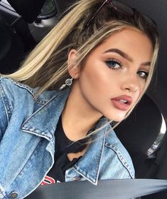 Closed)) I had been home alone and decided to just take a pregnancy test. I got the results back. I was a little shocked. I called you and told you to come over we needed to talk. You...-Sophia