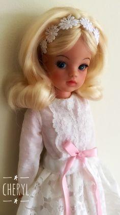 Rerooted trendy girl sindy Sindy Doll, Vintage Barbie Dolls, Doll Toys, Barbie Patterns, Doll Clothes Patterns, Cupie Dolls, Tammy Doll, Dollhouse Toys, Doll Display