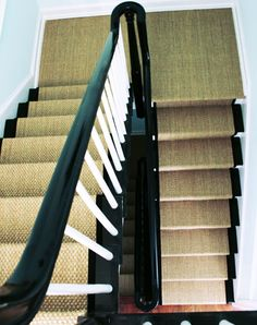 Seagrass stair runner: idea for basement stairs, to continue to basement bathroom Entry Stairs, Entry Foyer, Basement Stairs, Basement Bathroom, Interior Design Inspiration, Home Interior Design, Staircase Runner, Stair Runners, Black Stairs