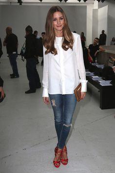 jean trou + chemise blanche + chaussures talon