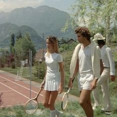 Old school tennis aesthetic.