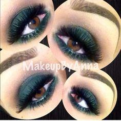 Green eyeshadow. Mac shadow