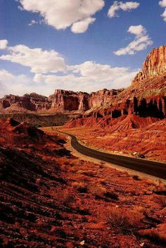 *UTAH ~ Capitol Reef National Park, Utah by stephane (montreal) Capitol Reef National Park, National Parks, Bryce Canyon, Places To Travel, Places To See, Parque Natural, New Orleans, Southwest Usa, Las Vegas