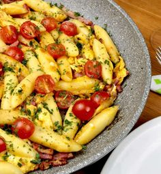 Schupfnudeln with bacon and egg - Too lazy to cook? - Serving suggestion Schupfnudeln with bacon and egg - Pizza Recipes, Veggie Recipes, Mexican Food Recipes, Snack Recipes, Ethnic Recipes, Healthy Snacks, Healthy Recipes, Cauliflower Recipes, Clean Recipes