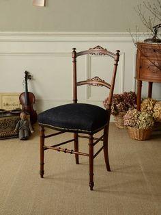 アンティーク 家具 椅子 チェア ナーシングチェア ナポレオン3世 ブラック インテリア 部屋 ストライプ フレンチ フランスantique french chair interior furniture room Napoleon III coordinate