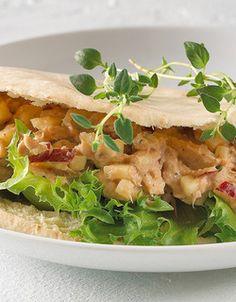 Pitabread with tuna salad Tuna Salad, Sandwiches, Tacos, Mexican, Ethnic Recipes, Healthy Dinners, Food, Tuna Fish Salad, Clean Dinners