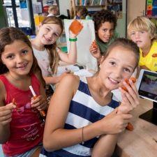 Onderzoekend & Ontwerpend Leren is de toekomst - Wetenschap & Techniek-onderwijs gebaseerd op Onderzoekend en Ontwerpend Leren sluit aan bij de natuurlijke leerprocessen. O&O-leren ontwikkelt spelenderwijs precies die vaardigheden waar deze tijd van technologische ontwikkelingen om vraagt. U leest er meer over in de folder 'Onderzoekend & Ontwerpend Leren is de toekomst'.