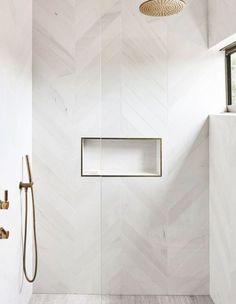 White Tile Shower, Gold Shower, White Tiles, Tile Walk In Shower, Bathroom Art, Bathroom Interior, Modern Bathroom, Funny Bathroom, Bathroom Designs