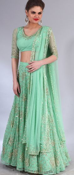 Indian Wedding Website : Wed Me Good Pakistan Fashion, India Fashion, Asian Fashion, Indian Attire, Indian Ethnic Wear, Wedding Dress, Bridal Dresses, Pakistani Outfits, Indian Outfits