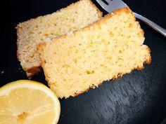 Dieser Zitronenkuchen überzeugt! Saftig, locker, lecker. Low carb! Ohne Mehl und Zucker. Gesunder Snack zwischendurch und perfekt für Gäste. Schnell und einfach gemacht mit nur wenigen Zutaten. Am besten noch heute Nachbacken.