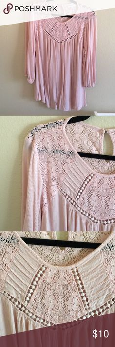 Blush pink boho maternity tunic Perfect as a dress up blouse that can def hide the bump in those early months, but long enough you can cover the bump in those last months + postpartum. Pretty blush pink and very boho 🏹 Tops Blouses
