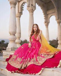 Fancy Dress Design, Bridal Dress Design, Stylish Dress Designs, Latest Bridal Dresses, Wedding Dresses For Girls, Bridal Outfits, Mehndi Dress For Bride, Bridal Mehndi Dresses, Mehndi Brides