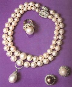 The Duchess of Windsor's pearl necklace with drop, earrings, and ring.
