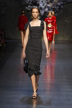 dolce and gabbana ss 2014 women fashion show runway 72 zoom