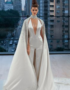 2e492f44d4d The 14 Must-See Fall 2018 Wedding Dress Trends