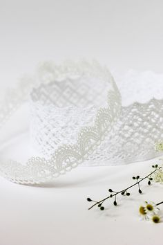 DIY Lace Crown Tutorial   alice & lois for minted