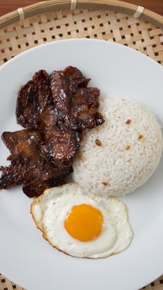 Keep this easy-to-make bacon recipe in your back pocket when you need to make a good breakfast impression. Easy Filipino Recipes, Filipino Dishes, Asian Recipes, Lumpia Recipe Filipino, Bacon Recipes, Cooking Recipes, Healthy Recipes, Vegetarian Recipes, Biko Recipe