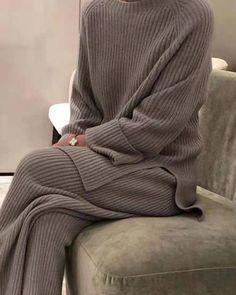 Casual Suit, Casual Pants, Cashmere Suit, Hot Suit, Outfit Invierno, Pantalon Large, Type Of Pants, Loungewear Set, Knit Fashion