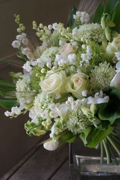 25 beautiful rustic green and white flower arrangements, arrangements # green . - 25 beautiful rustic green and white flower arrangements, # green - White Floral Arrangements, Beautiful Flower Arrangements, Floral Bouquets, Green Wedding Flower Arrangements, Wedding Bouquets, Floral Wreath, Green Flowers, White Flowers, Beautiful Flowers