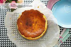 San Sebastian Cheesecake Tarifi - Malzemeler : 600 g az tuzlu krem peynir, 300 ml krema, 1,5 su bardağı pudra şekeri, 4 yumurta, 1 yemek kaşığı un.