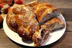Ντελικάτα, πεντανόστιμα τσουρέκια με υπέροχη κορδωνάτη υφή, βουτυρένια και μελωμένα! French Toast, Breakfast, Food, Morning Coffee, Essen, Meals, Yemek, Eten