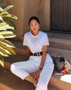Woman All White Outfits outfits trends White Fashion, Look Fashion, Fashion Models, Fashion Outfits, Woman Outfits, Fashion Song, Woman Fashion, French Fashion, Spring Fashion